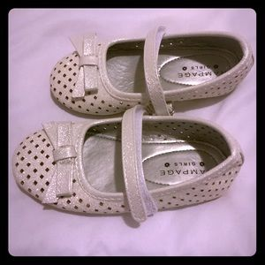 Girls toddler shoes / silver /never worn before
